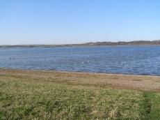 Widok na jezioro Topola. Zdjęcie wiosna 2007 r.